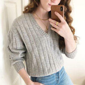 Stunning Vintage Parisian Oversized Ribbed Cable Knit 100% Pure Wool Sweater